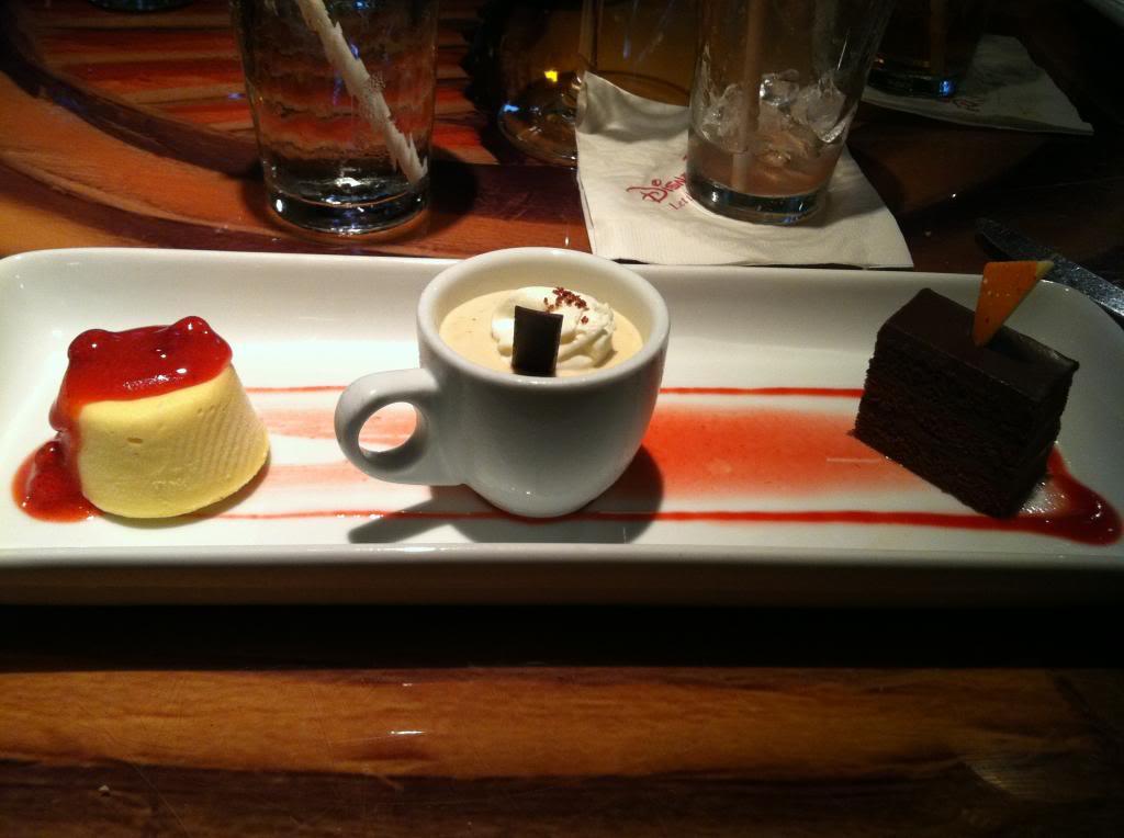 Photos des plats des restaurants de WDW,DCR - Page 16 359233DessertTrioChocolateCakeTropicalFruitKulfiandChaiCreamatSanaa