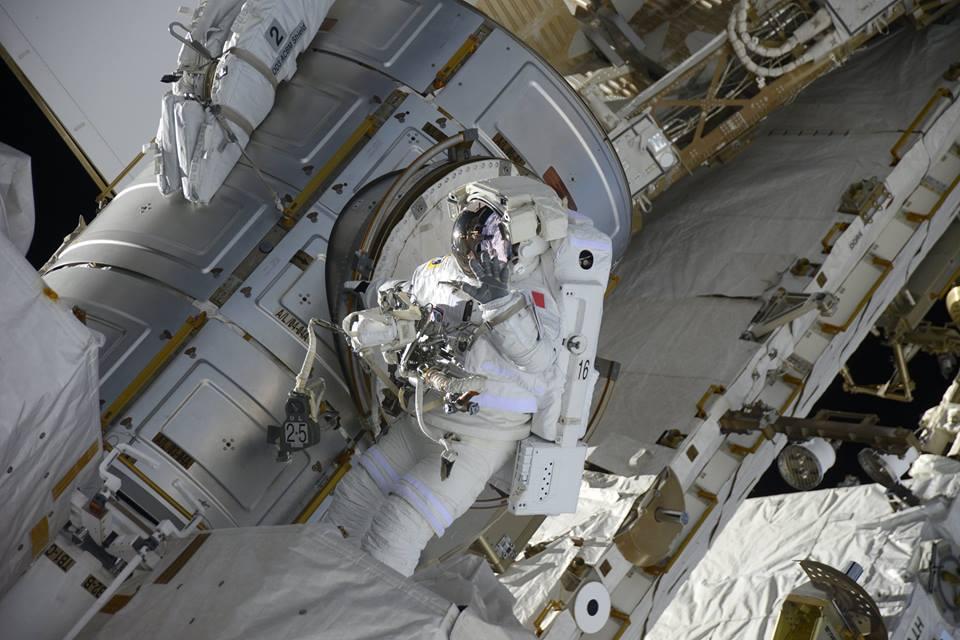[ISS] EVA US 38 et 39, les 6 et 13 janvier 2017 - Page 6 359797098