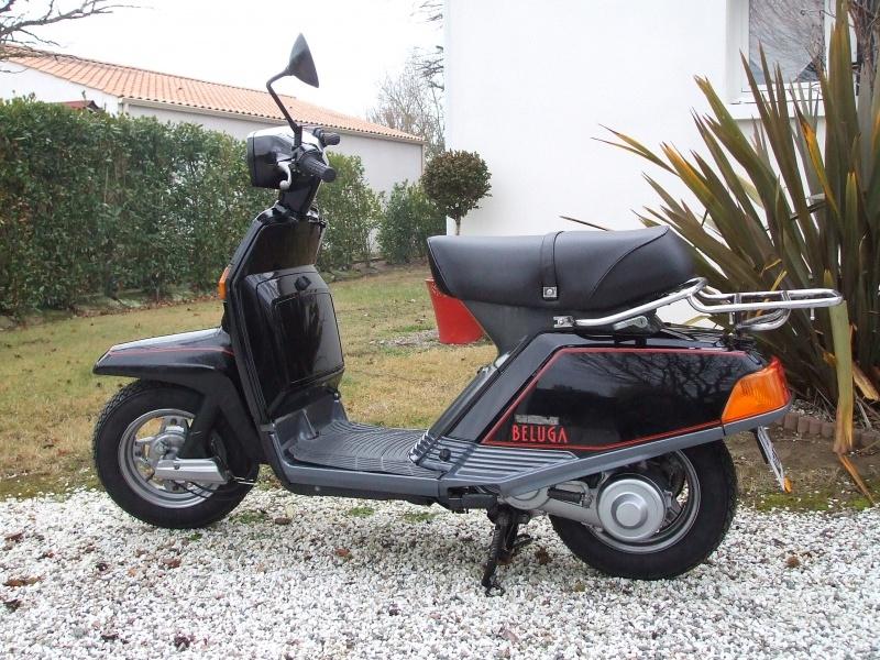 Un petit scooter Japonais , le Yamaha 80 Béluga de 1982... 359901Yamaha80Bluga1987restaur003