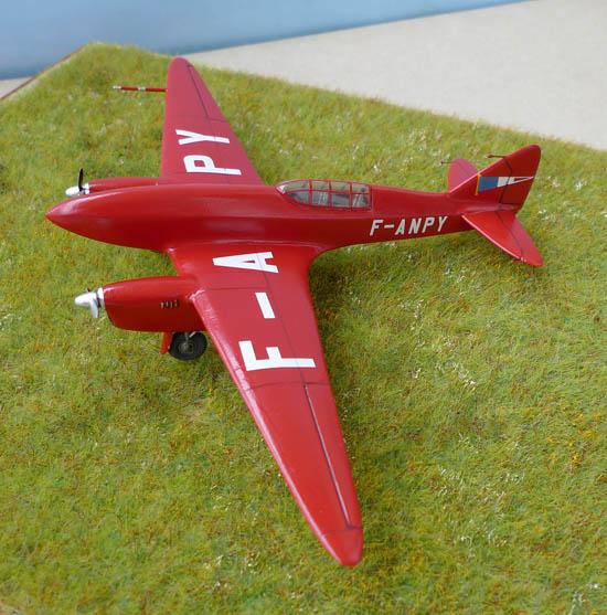 [Airfix + conversion Whirlybird] De Havilland 88 Comet... Français 360954Dh88Comet25