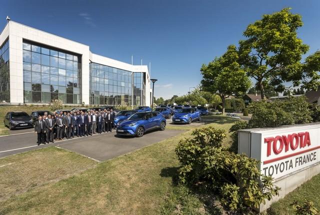 Toyota France équipe 100% de sa flotte de véhicules de société en hybride 361047003