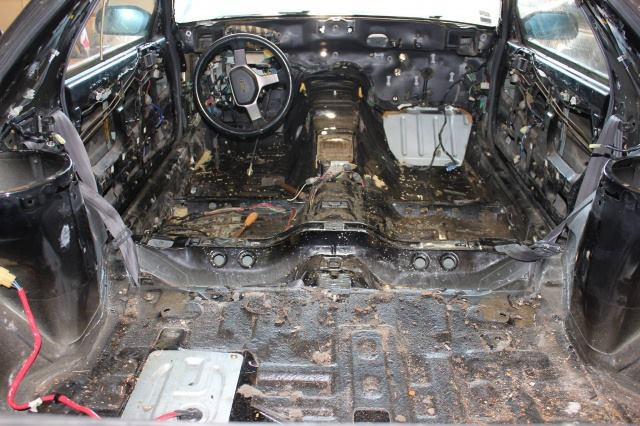 Mazda RX7 FC3S (restauration et preparation street) - Page 5 367451150561281217841883955950550319551526015n