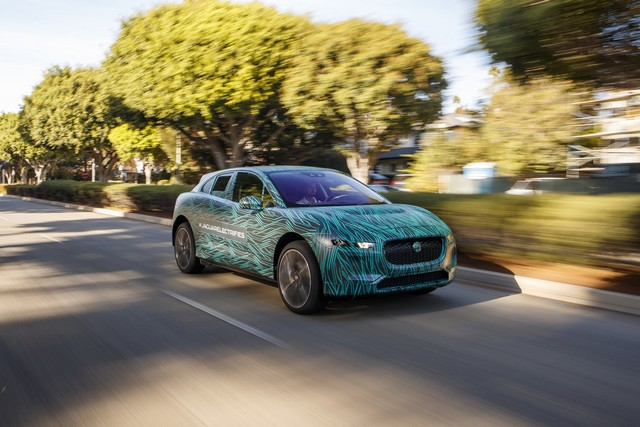 Le Jaguar I-PACE en road trip électrique à Los Angeles 369662jipaceroadtrip061217005