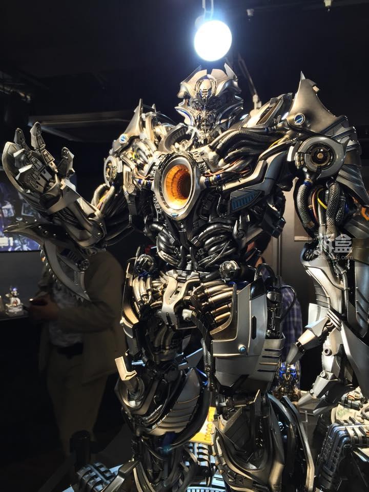 Statues des Films Transformers (articulé, non transformable) ― Par Prime1Studio, M3 Studio, Concept Zone, Super Fans Group, Soap Studio, Soldier Story Toys, etc - Page 3 371477P1STF4galvatronpreview0021429109252