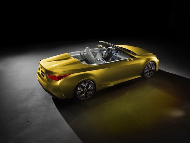 Le Concept Lexus LF-C2 Brille Sous Les Projecteurs Du Salon De Los Angeles 372227LFC2fRear34paslow