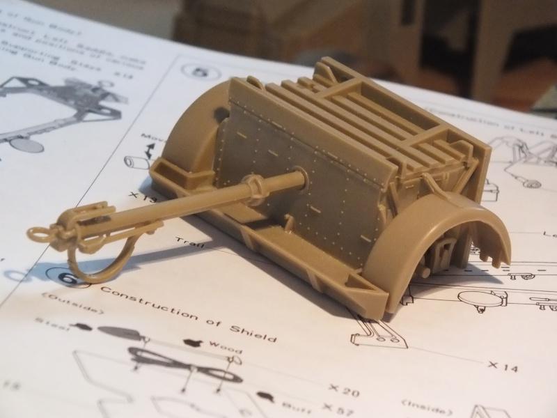 British 25pdr. field gun & Quad Gun Tractor (Canadian Ford F.G.T)  (Tamiya 1/35 réf. 35044) 375761DSCF7912