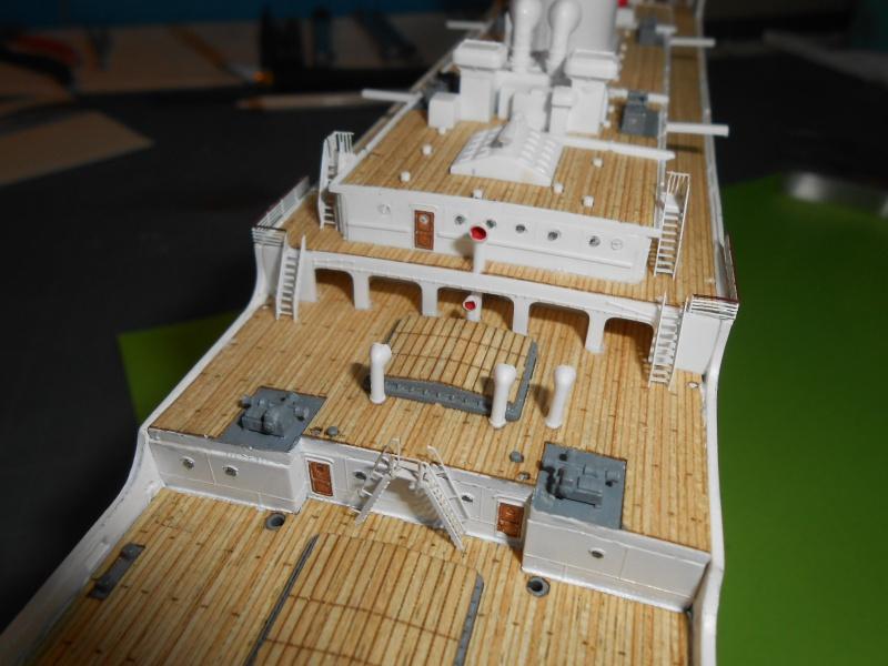 Hikawa Maru hopital 1/350 PE/pont en bois et babioles  - Page 6 377984DSCN5938
