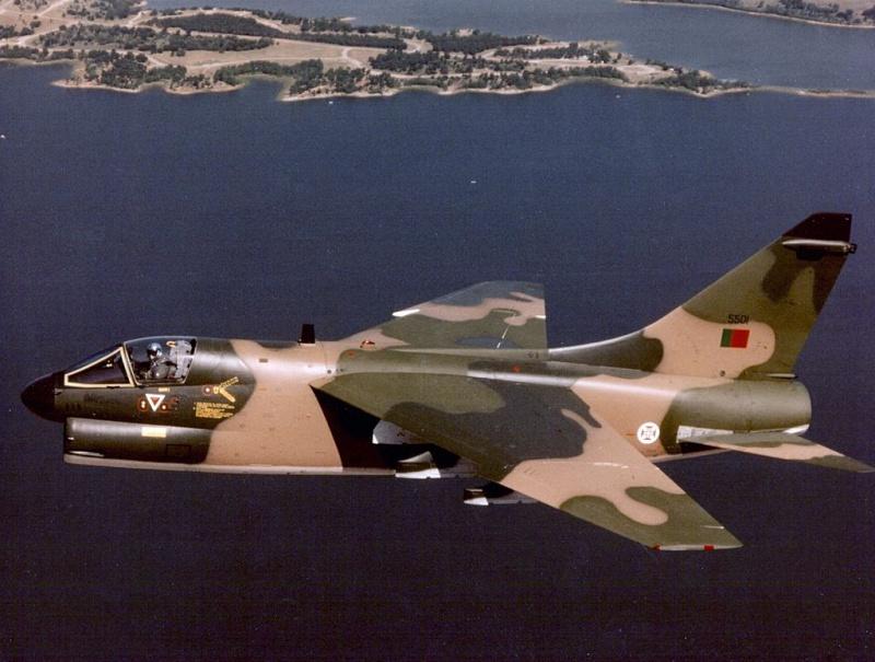 LTV A-7 Corsair II [NOUVELLE VERSION] 379460LTVA7PCorsairIIPortugueseAirForce21