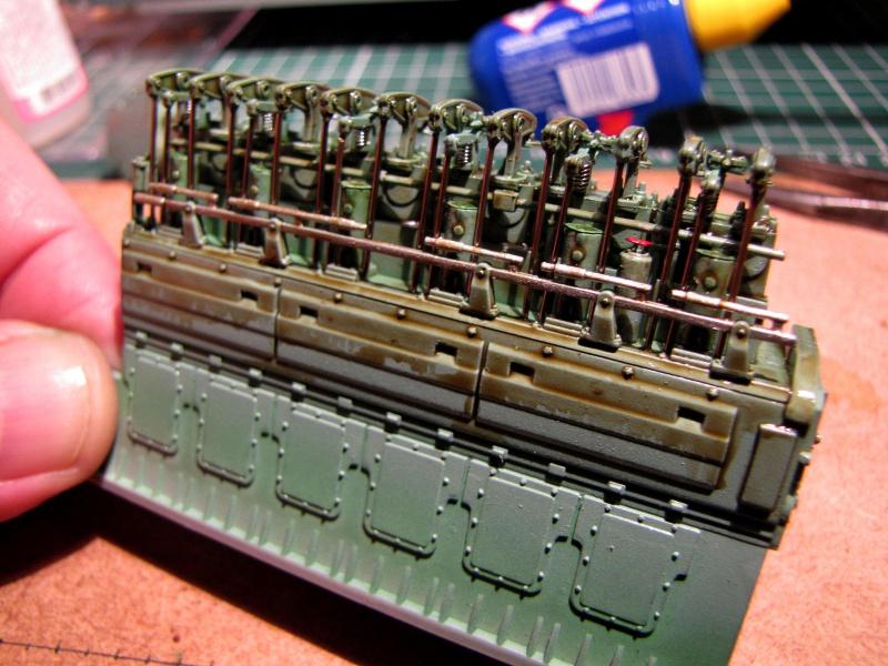 U-552 TRUMPETER Echelle 1/48 - Page 2 38053579zo