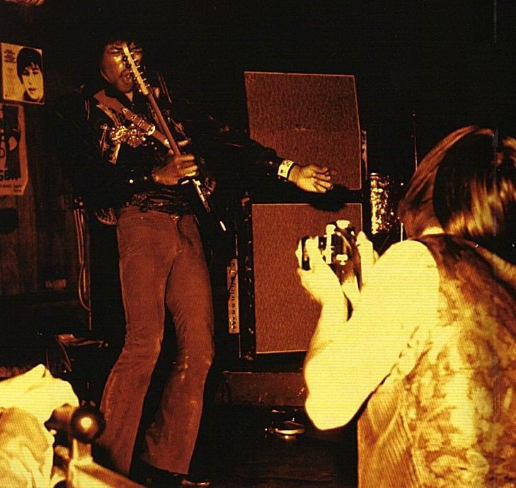 Los Angeles (Whisky A Go Go) : 2 juillet 1967  381053948n