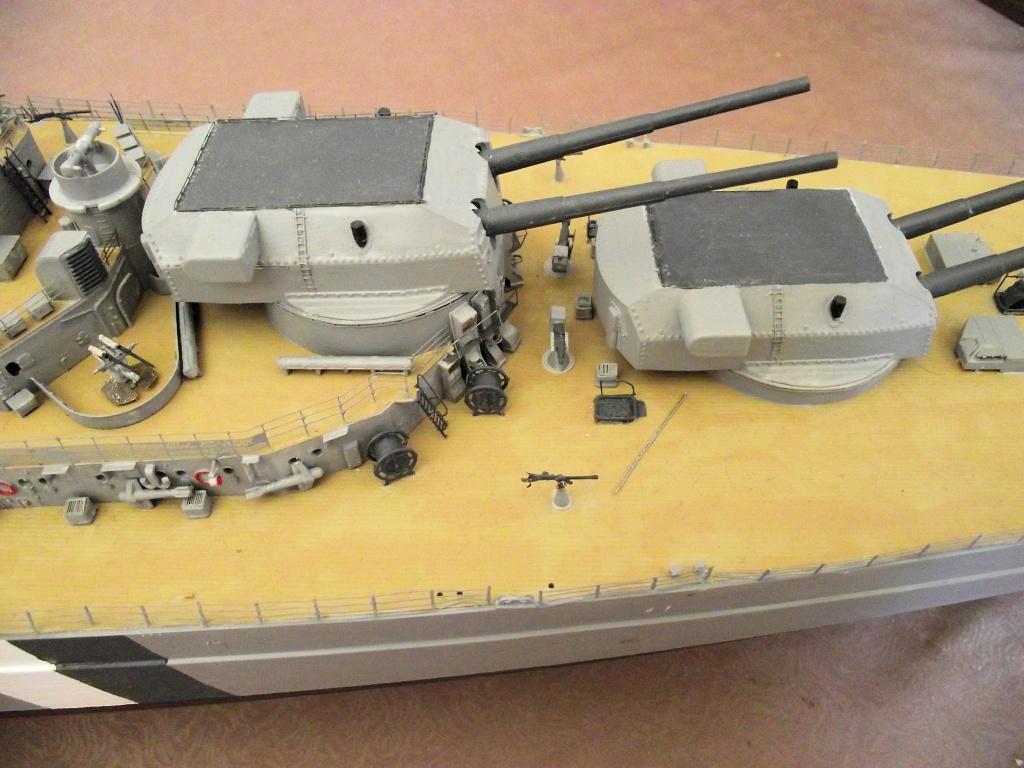 Bismarck Trumpeter 1x200 avec PE et figurines Eduard 382876BismarckTrumpeter1x2007