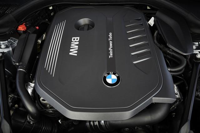 La nouvelle BMW Série 5 Berline. Plus légère, plus dynamique, plus sobre et entièrement interconnectée 384726P90237201highResthenewbmw5series