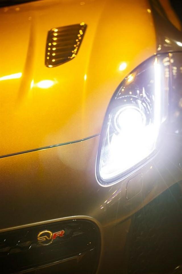 La Jaguar F-TYPE SVR rugit dans le Fameux tunnel de Park Avenue À New  387378JaguarFTYPESVRTunnel016LowRes