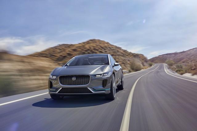 Jaguar Dévoile Le Concept I-PACE : Le SUV Électrique Performant 391192jagipacelocation14111613