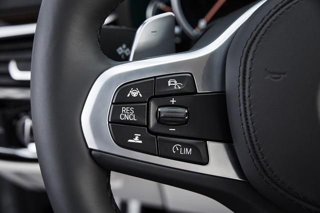 La nouvelle BMW Série 5 Berline. Plus légère, plus dynamique, plus sobre et entièrement interconnectée 395719P90237261highResthenewbmw5series