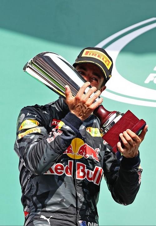 Dimanche 28 Août Course : Victoire Nico Rosberg  3958592016gpdebelgiqueDanielRicciardo