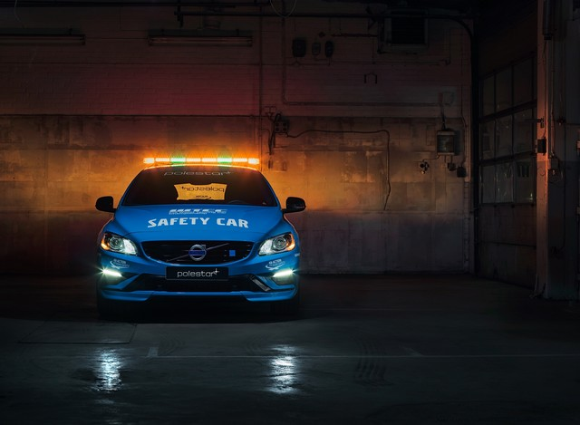 Volvo V60 Polestar : La Voiture De Sécurité La Plus Sure De L'histoire Du WTCC 396042188870VolvoV60PolestarSafetyCar