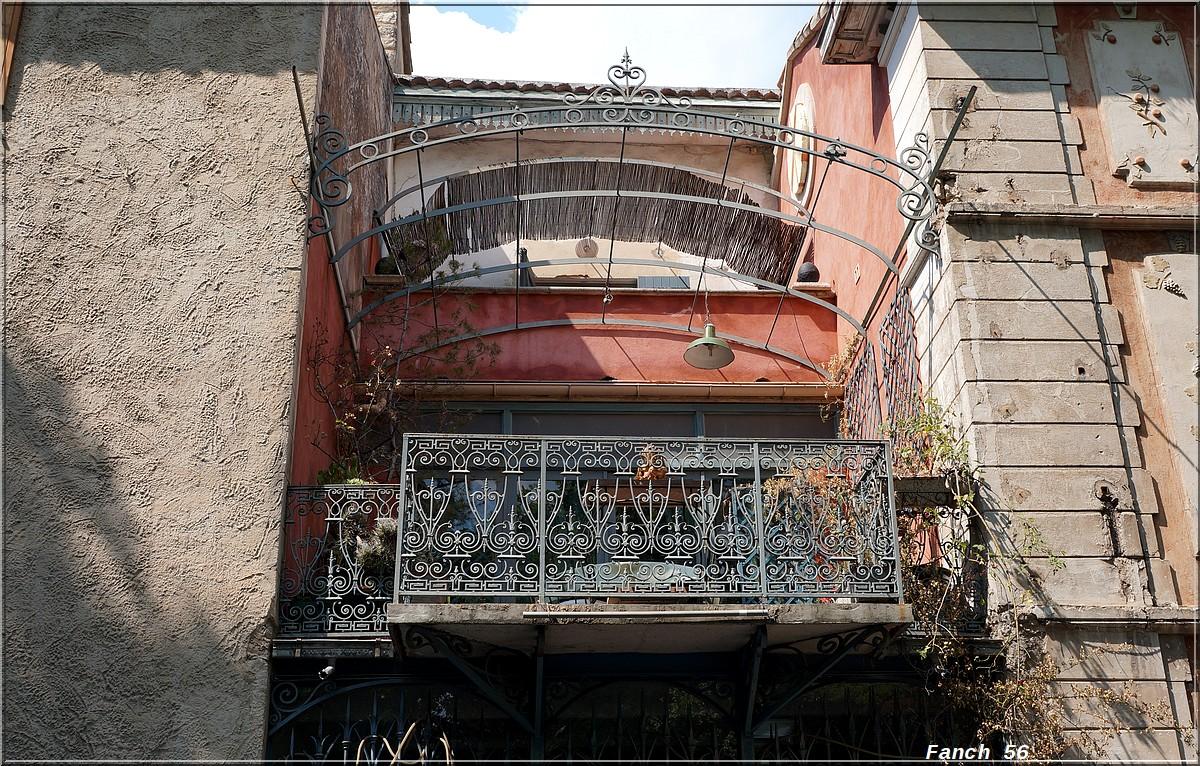 Balcons en fer forgé 397182balconfontainevaucluse