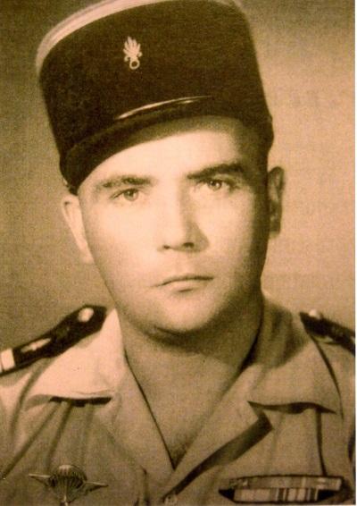 Jean SINGLAND lieutenant, parachuté en renfort sur Dien Bien Phu en 1954 398583img162