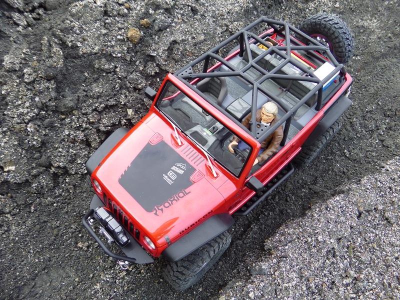 Jeep Rubicon Axial, le scale facile ;-) 398684IMGA0791