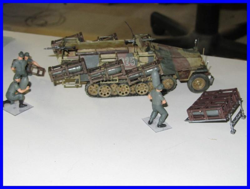 Mtl.SPW.Sd.Kfz.251/1Ausf.D mit Schwerer Wurfrahmen 40 STUKA ZU FUSS 1/35 de TAMIYA 398695IMG0916800x600