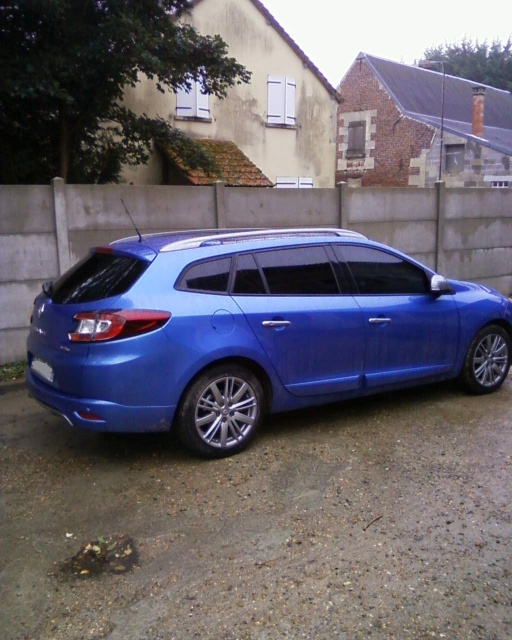 [FabGtLine] RM3 Estate 1.6 DCI 130 GT Line Bleu Malte 399064Photos0005