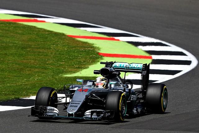 F1 GP de Grande-Bretagne 2016 (éssais libres -1 -2 - 3 - Qualifications) 3990992016gpdegrandebretagneLewisHamilton1