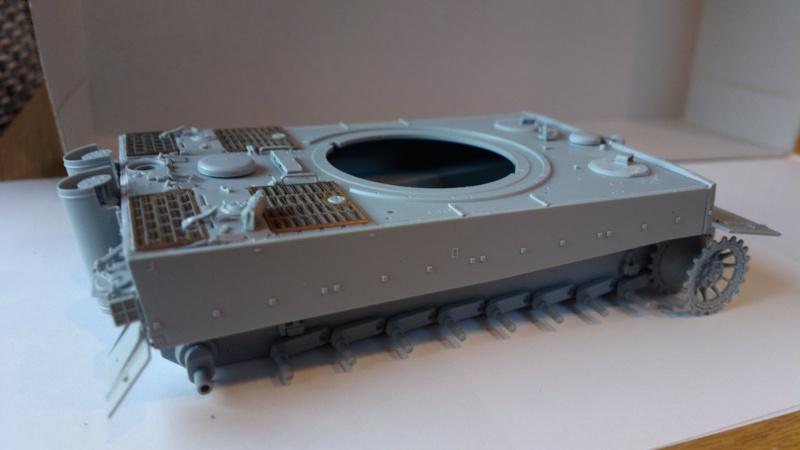 Pz.Kpfw.VI Ausf.E TIGER I ; DRAGON 1/35. 401419201408182425