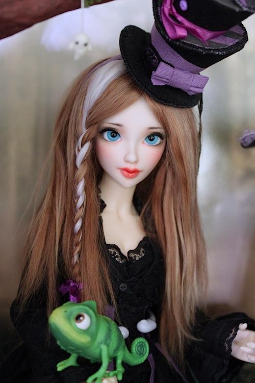 Elsa vous souhaite une Bonne Année (Enni Sensei's Dolls) p8 - Page 3 4025174035