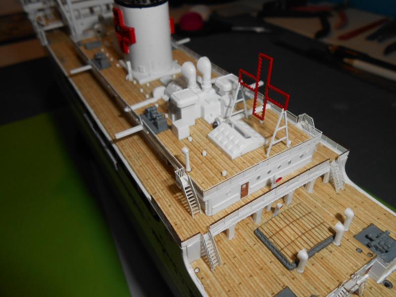 Hikawa Maru hopital 1/350 PE/pont en bois et babioles  - Page 6 402677DSCN5969
