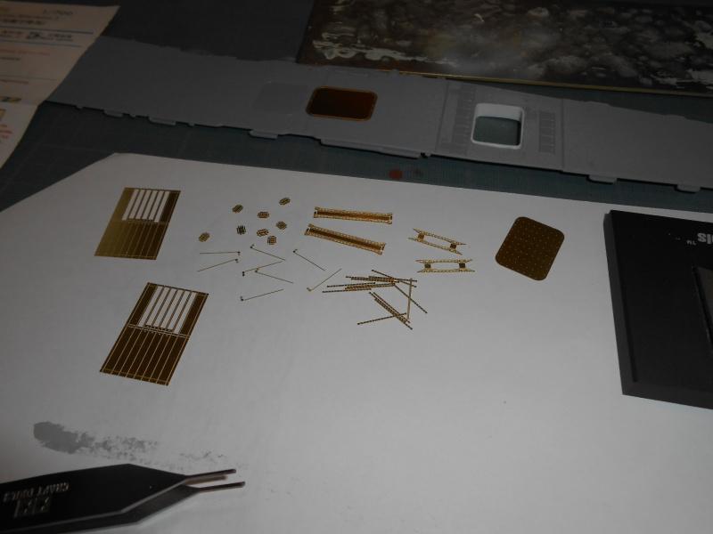 AKAGI 1/700 PE / Pont en bois et autres babioles :-) - Page 4 404362ascenseuraka015