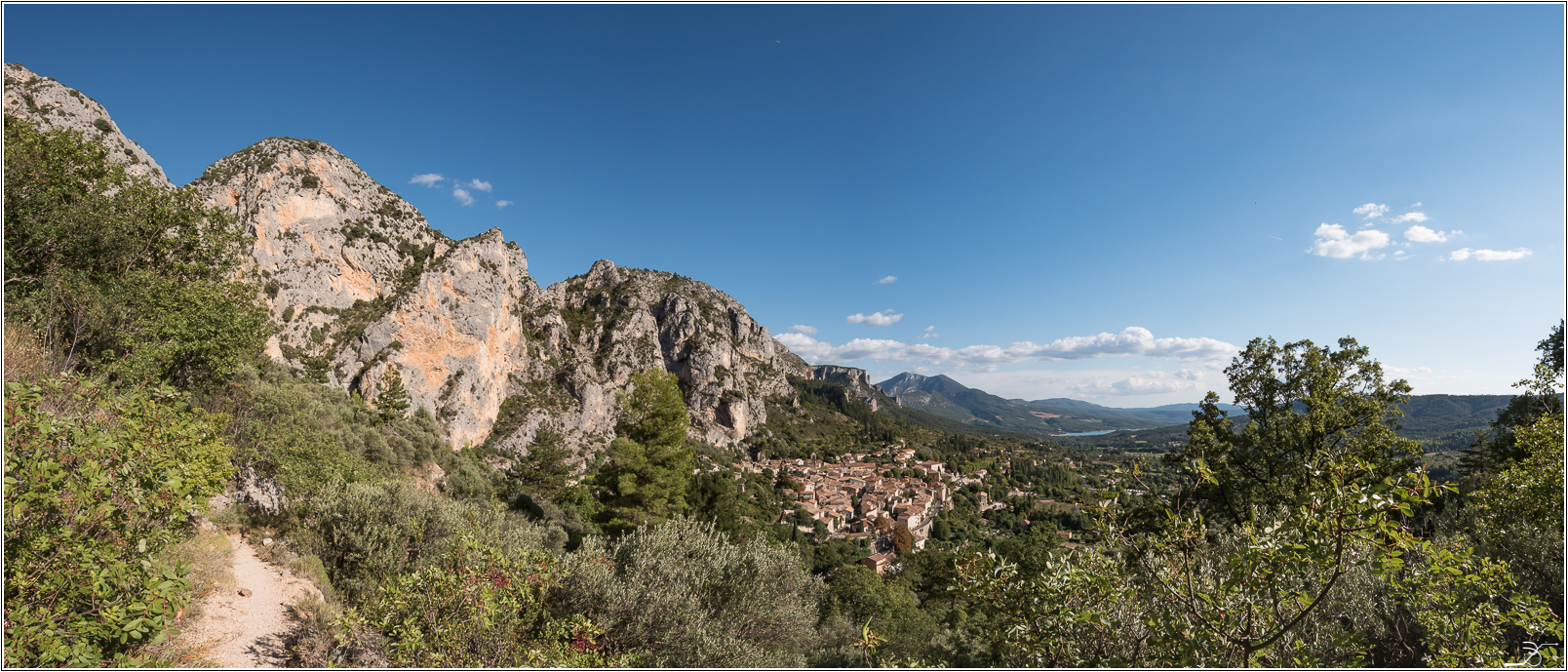 PBVF 67: Moustiers Ste Marie 407922LR6P1170104Panorama