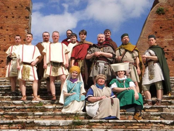 Les tuniques pour les légionnaires. 409117Sanstitre
