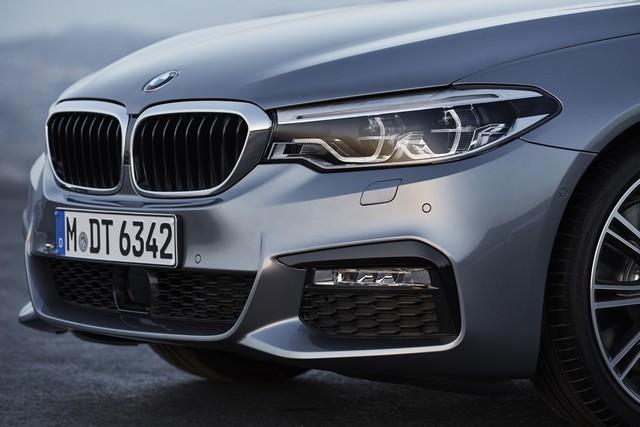 La nouvelle BMW Série 5 Berline. Plus légère, plus dynamique, plus sobre et entièrement interconnectée 409230P90237208highResthenewbmw5series