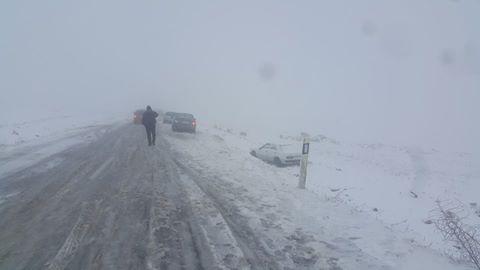 شهادة : خذوا حذركم وانتم تعبرون بسياراتكم مناطق تساقط الثلوج 41041512802900102073167395311482784949437596798149n