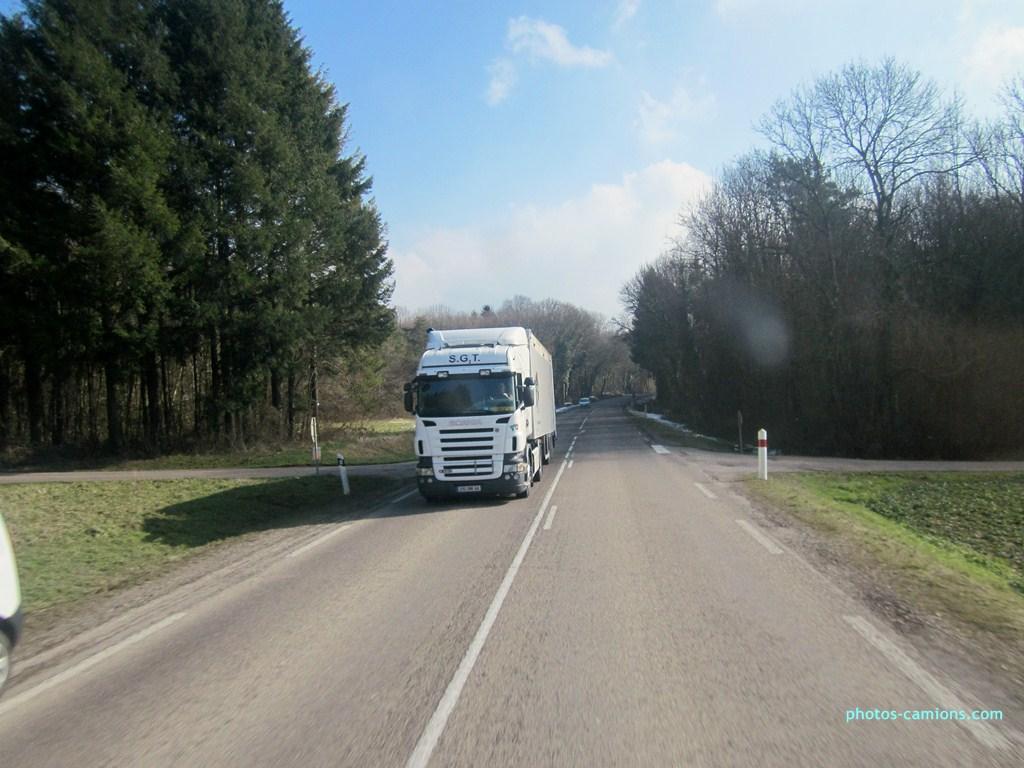 SGT (Saint Gildas Transports) (Donges) (44) 412965photoscamions18II2013105Copier