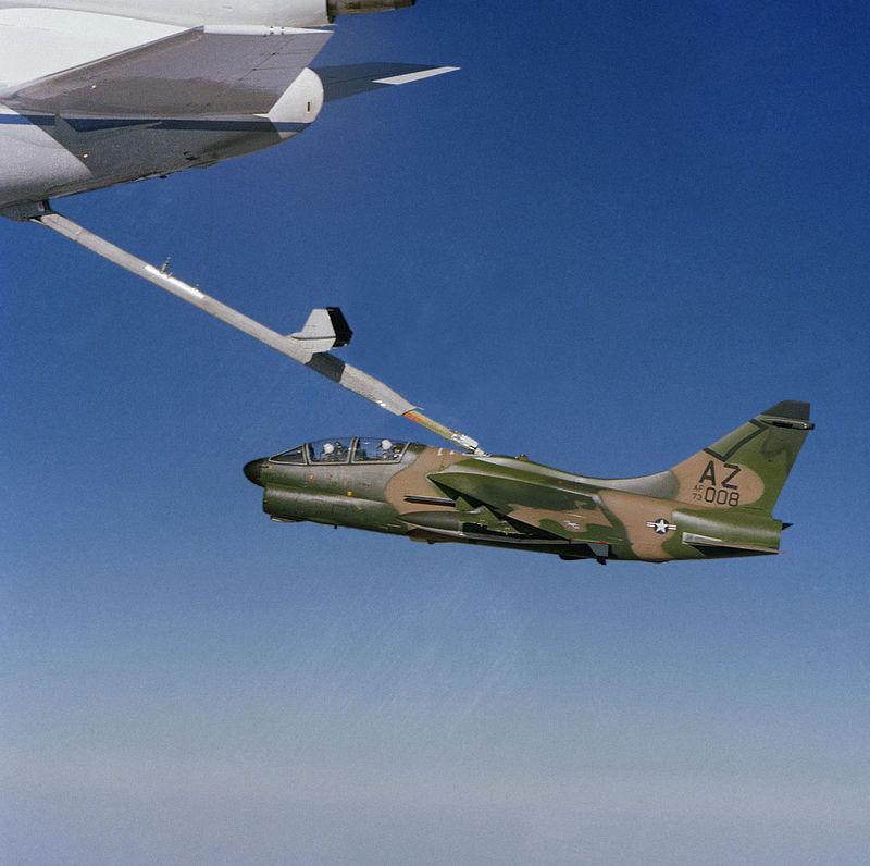 LTV A-7 Corsair II [NOUVELLE VERSION] 415991LTVA7KCorsairII9