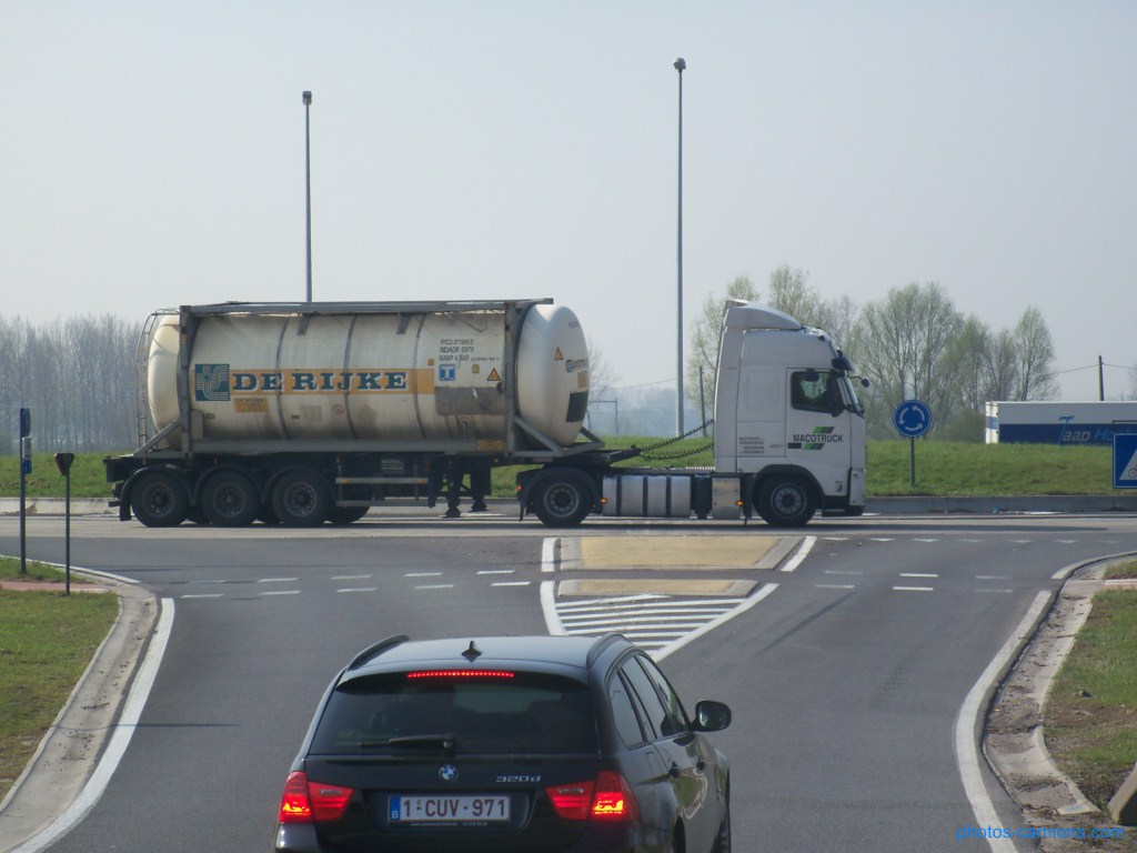 Macotruck (Zeebrugge) 416524photoscamions30mars201261Copier