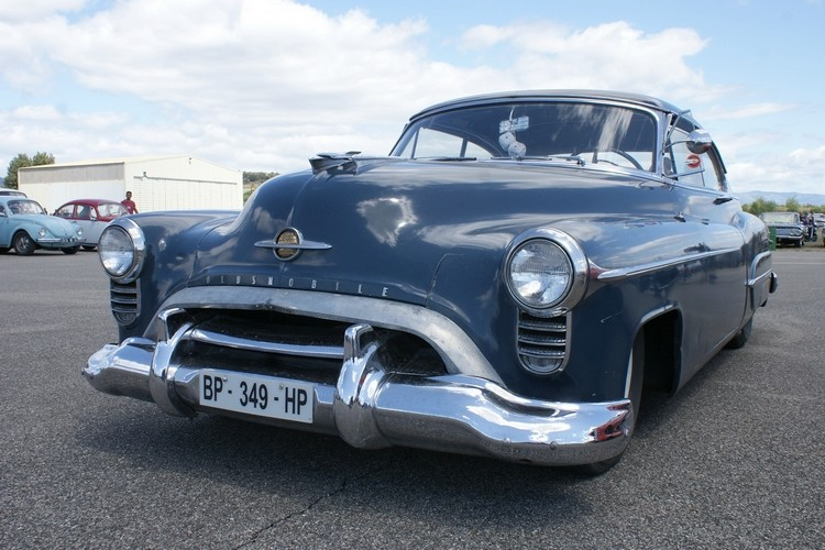 Oldsmobile 1950 - Page 2 417266dsc05518