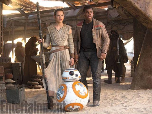 Star Wars : Le Réveil de la Force [Lucasfilm - 2015] - Page 6 417756w39