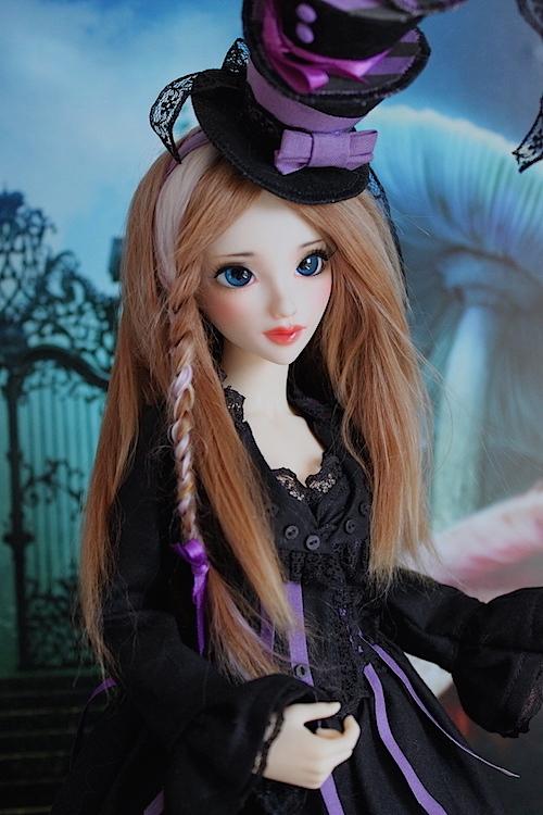 Elsa vous souhaite une Bonne Année (Enni Sensei's Dolls) p8 - Page 4 418798Chapeliremoitie2