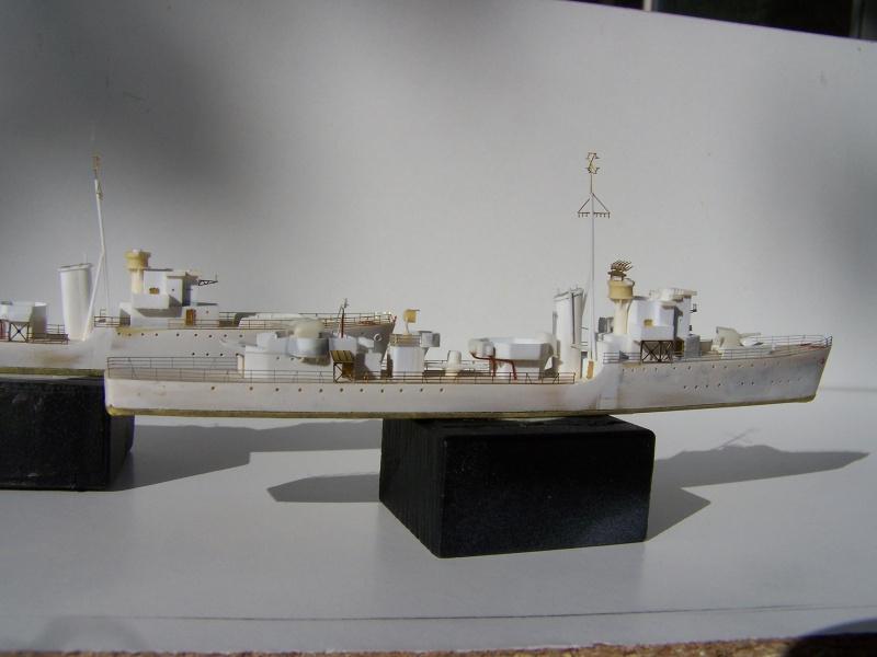 Destroyers classe Hunt type 2 et 3 - Page 2 421133Hutn2et3020