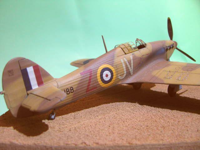 Hawker Hurricane Mk IId Trop 6 Sqn 1942 Hobbycraft 1/48.... Terminé! - Page 2 423774IMG1207