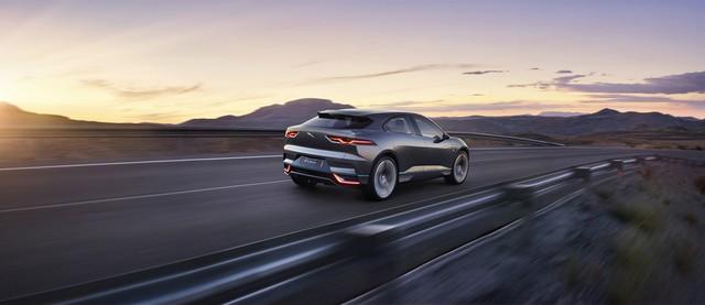 Jaguar Dévoile Le Concept I-PACE : Le SUV Électrique Performant 423953jagipacelocation14111616