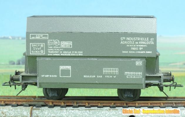 Autres wagons à 2 essieux maquette : fourgons, trémies... 424111VBmaquettetrmie2essKhaloutaIMG3332