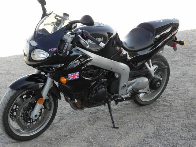 Enfin du temps pour la moto, mais pas que... 424205TriumphRS
