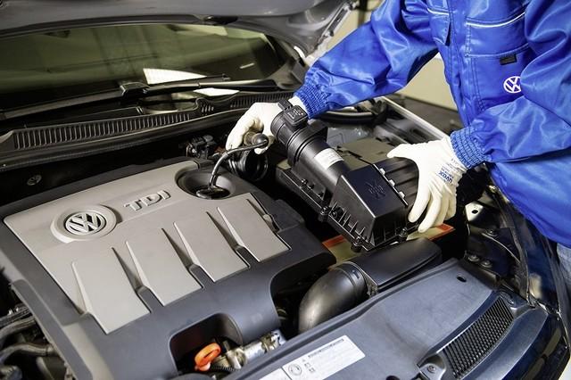 Les mesures techniques des moteurs diesel EA 189 concernés présentées à l'Autorité Fédérale Allemande des Transports (KBA) 427554md16tdiengineea189flowstraightenerinstallationimage5of6