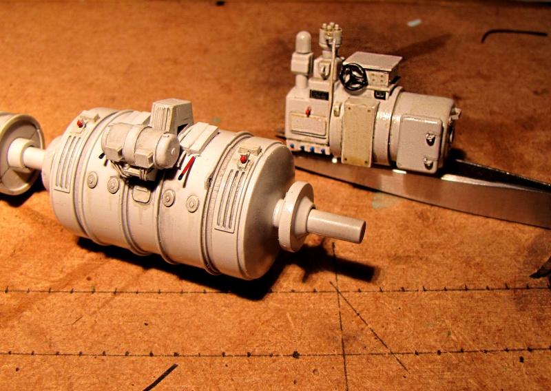 U-552 TRUMPETER Echelle 1/48 - Page 5 43279424z5