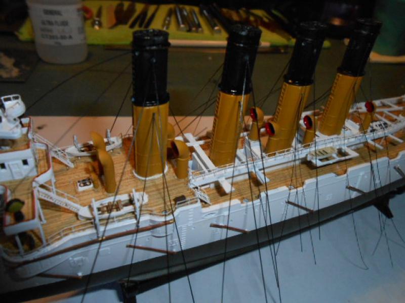 """Croiseur  Russe """"VARYAG"""" Zvezda 1/350 pont en bois / PE  438752008"""