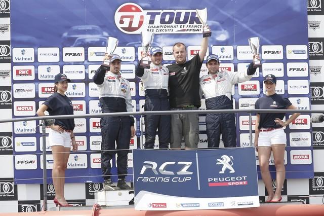 RCZ RACING CUP - COMTE ET MILAN DOS À DOS EN RCZ RACING CUP 440391559920888c7c51200x799